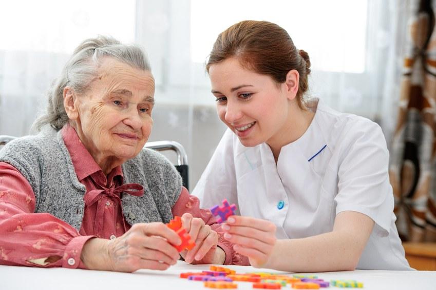 Pflege zu Hause (Foto: fotolia.de)